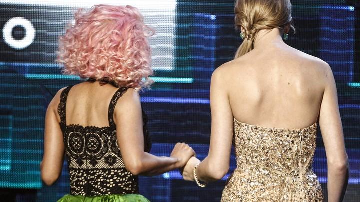 Taylor Swift Uses Feminism As A Pretext To Silence Nicki Minaj S Vmas Complaints The Atlantic