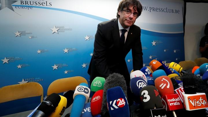 Deposed Catalan leader Carles Puigdemont arrives for a news conference in Brussels, Belgium on October 31, 2017.