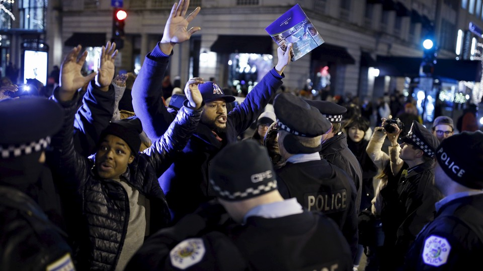 Protestors in Chicago demonstrate against the killing of Laquan McDonald.