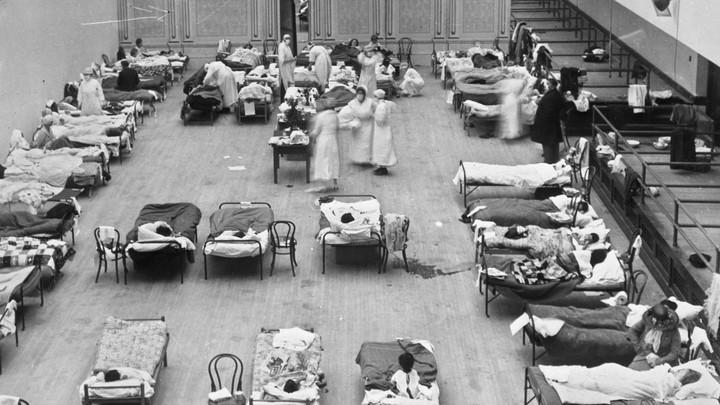 Volunteer nurses from the American Red Cross in 1918.