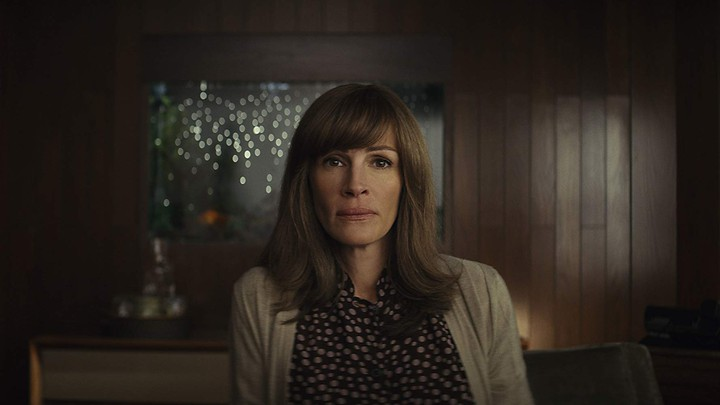 Julia Roberts stars as Heidi in the Amazon drama 'Homecoming'