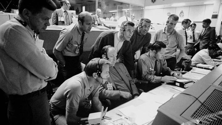 Mission Control monitors Apollo 13 from Houston