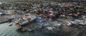 Indonesian tsunami damage