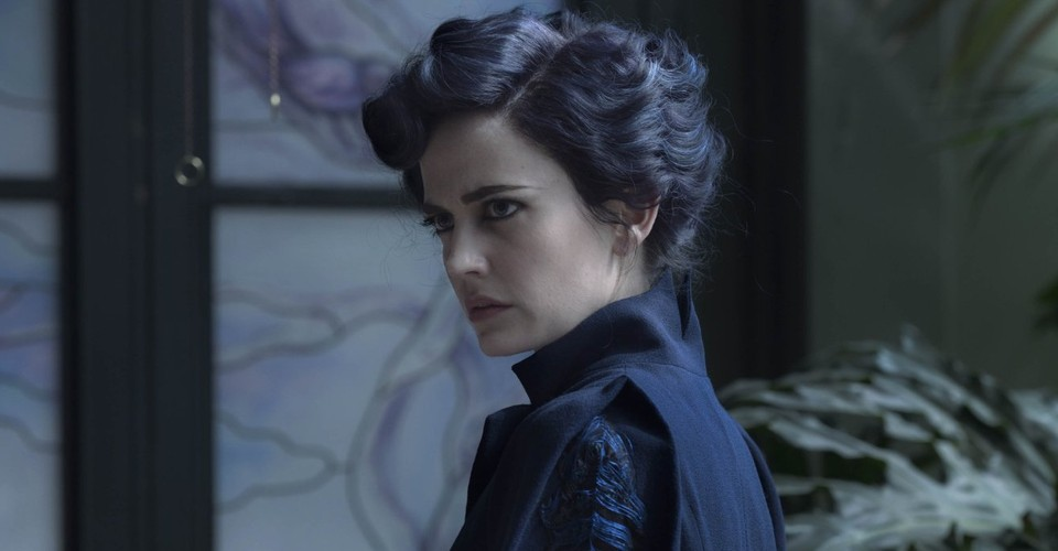 Miss Peregrine S Home For Peculiar Children Is A Pretty But Soulless Adventure The Atlantic