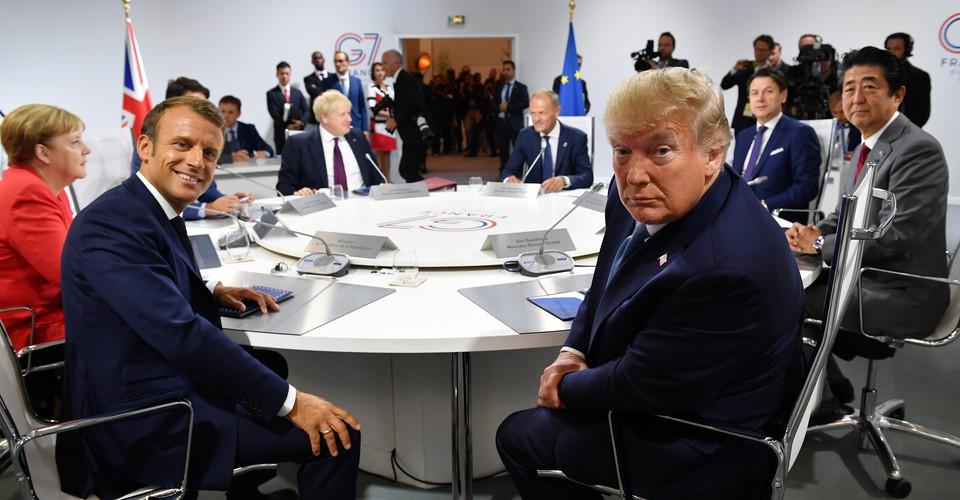 Khaskhabar/ब्रिटेन के प्रधानमंत्री बोरिस जॉनसन ने G7 के शिखर सम्मेलन में भाग लेने के लिए भारत के प्रधानमंत्री नरेंद्र मोदी को आमंत्रित किया है. जॉनसन ने 11 से 13 जून के बीच कॉर्नवॉल तटीय क्षेत्र में होने वाले उच्चस्तरीय शिखर सम्मेलन का ब्योरा रविवार को दिया जिसकी अध्यक्षता ब्रिटेन करेगा.