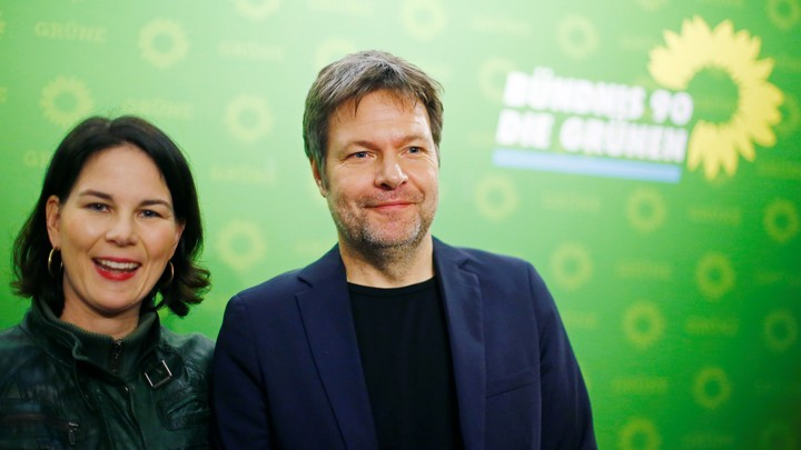 Robert Habeck and Annalena Baerbock, the German Greens leaders, at anews conference in Berlin