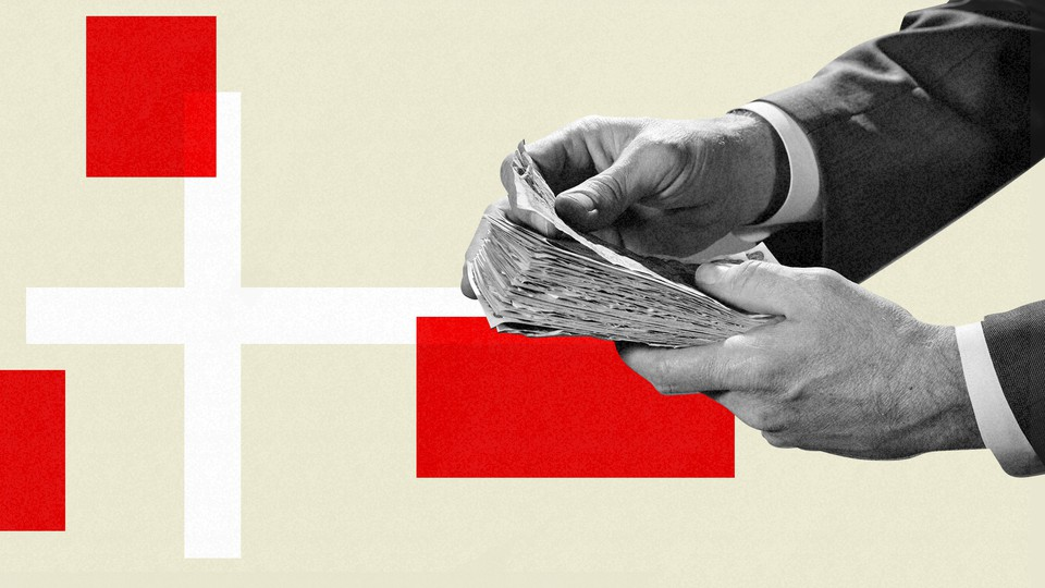 An illustration of money and the Danish flag.