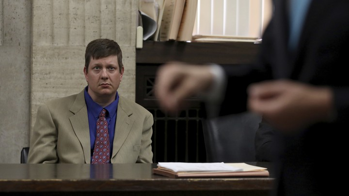 Chicago police officer Jason Van Dyke at a court hearing on May 11, 2017.
