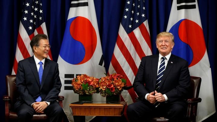President Trump and South Korean President Moon Jae-in smile