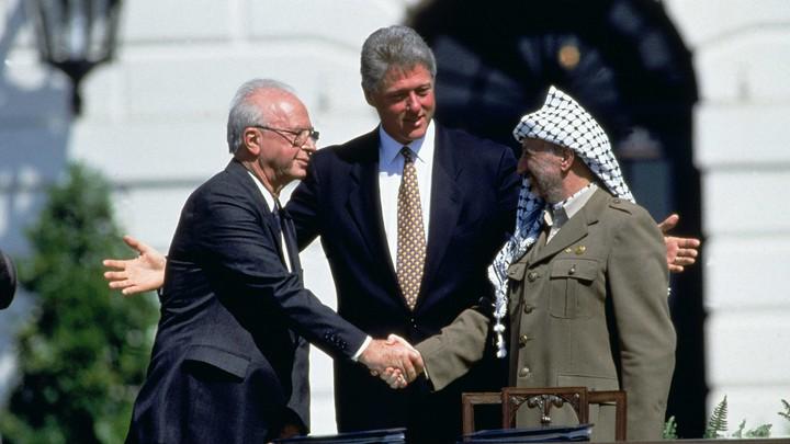 Bill Clinton, Yasser Arafat, and Yitzhak Rabin.