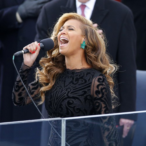 From Roseanne Barr To Beyonce How Singers Have Succeeded And Failed With The Star Spangled Banner The Atlantic