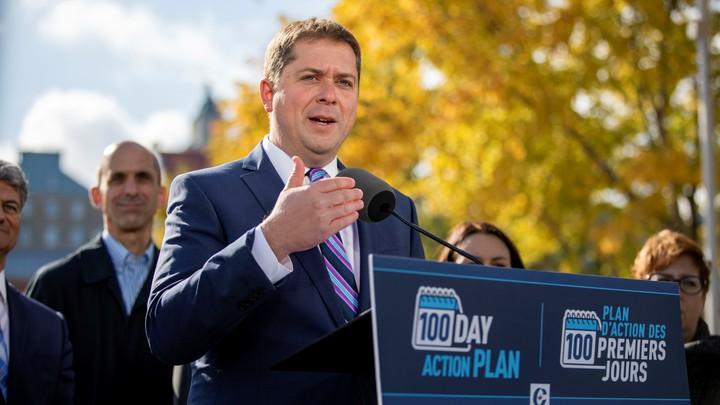Andrew Scheer delivers a speech in Quebec City.