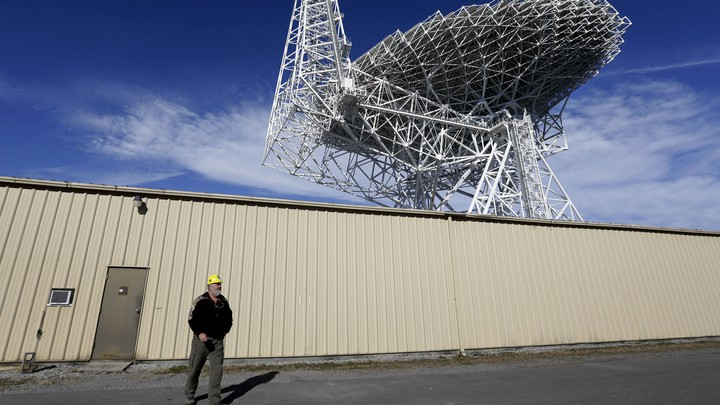 The Green Bank Telescope in West Virginia observed 'Oumuamua for artificial radio signals this week.