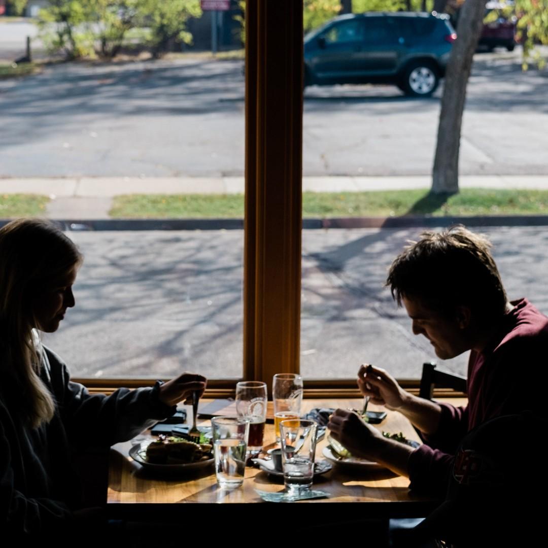 Can You Get Coronavirus Inside a Restaurant? - The Atlantic