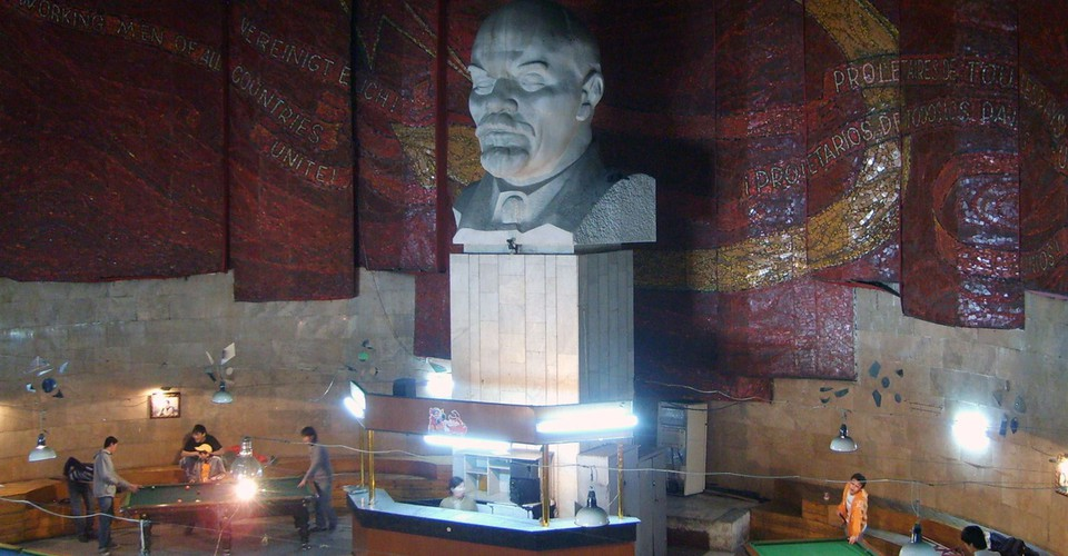 Ancient sculpture Big sculpture of Lenin 34 cm Communism monumental sculpture Home office decor Proletariat Rarity Socialist realism