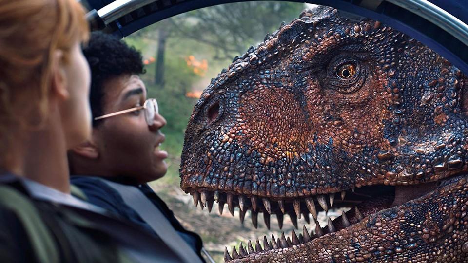 Bryce Dallas Howard and Justice Smith in 'Jurassic World: Fallen Kingdom'