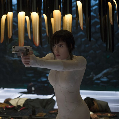 Review Ghost In The Shell Is An Incoherent Misfire Of A Remake The Atlantic