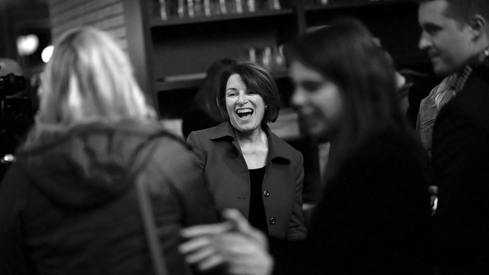 Amy Klobuchar meets with supporters at a Philadelphia coffee shop.