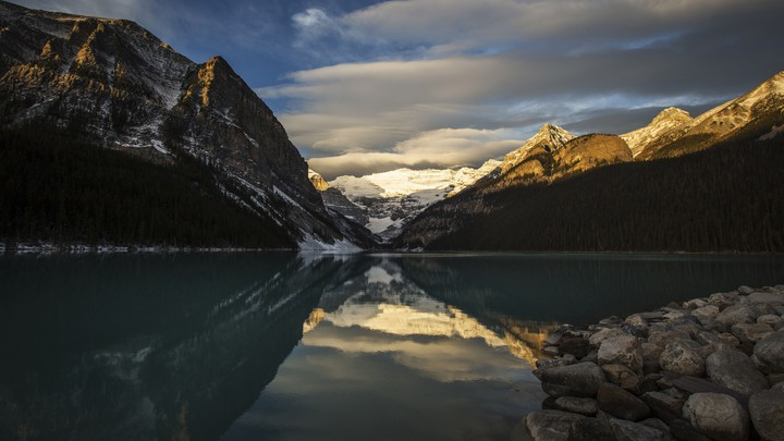 A picture of Lake Louise in the Canadian Rocky Mountains