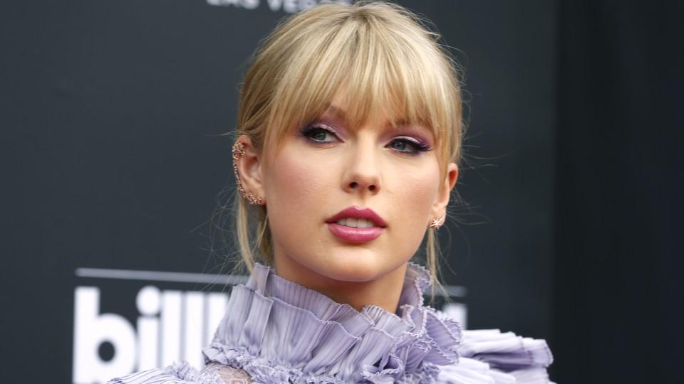 Taylor Swift at the 2019 Billboard Music Awards