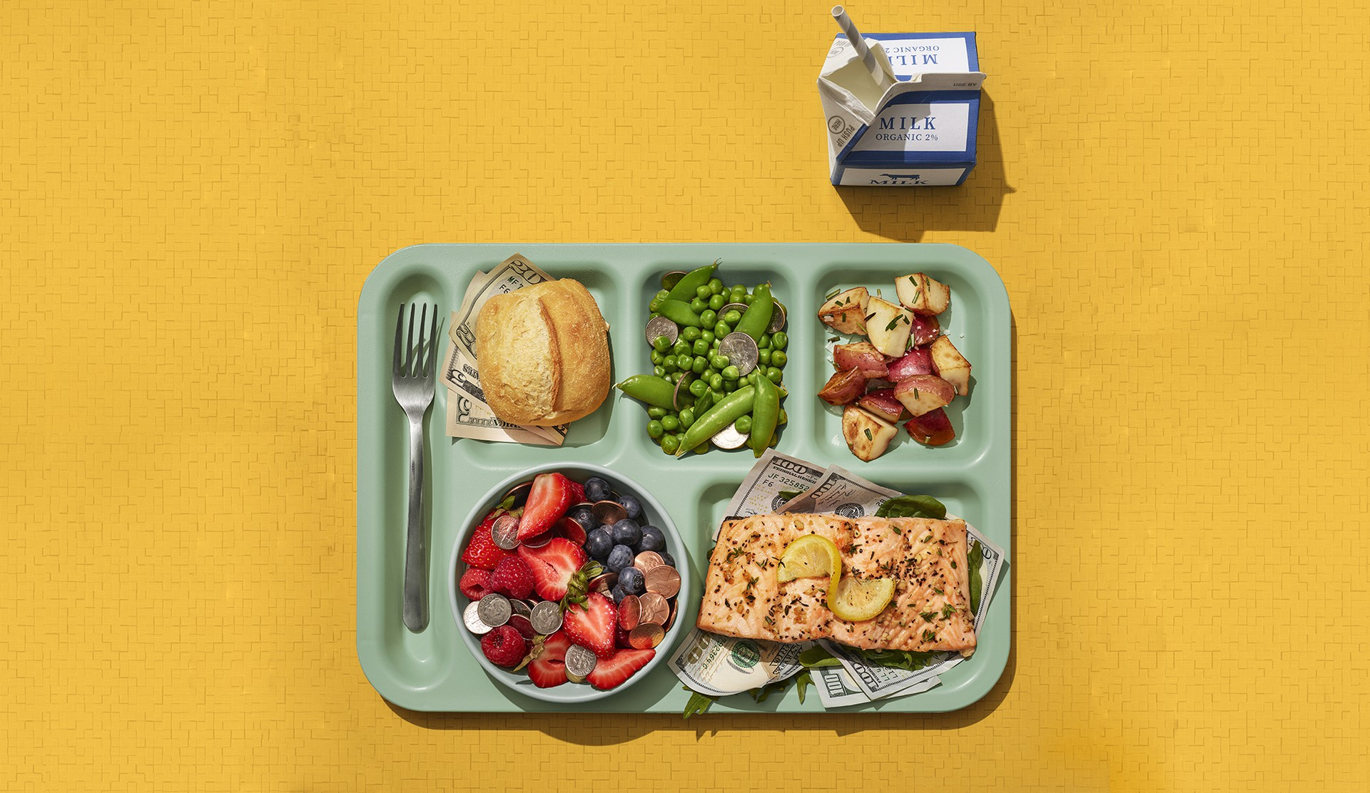 Tray with food and cash.