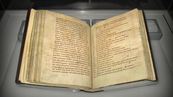 An open illuminated manuscript