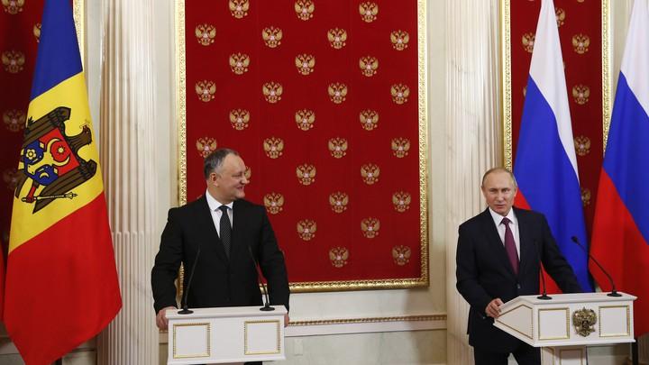 Moldovan president Igor Dodon meets with Russian president Vladimir Putin at the Kremlin in January 2017.