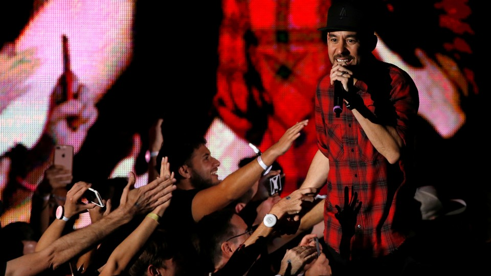 Mike Shinoda at the October 2017 concert in honor of Chester Bennington
