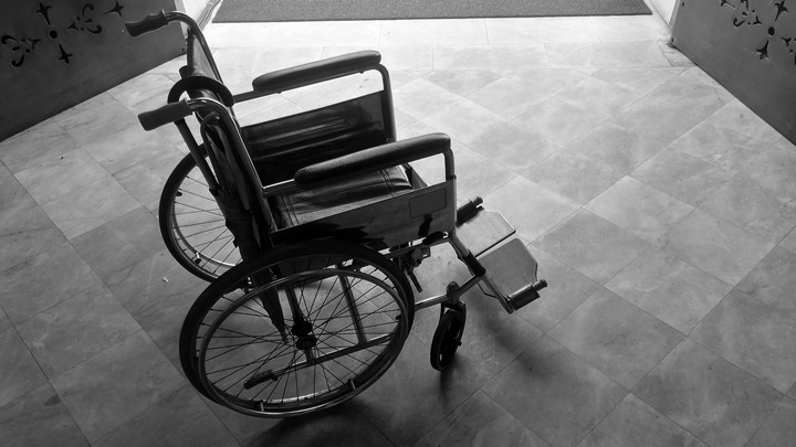 A single wheelchair.