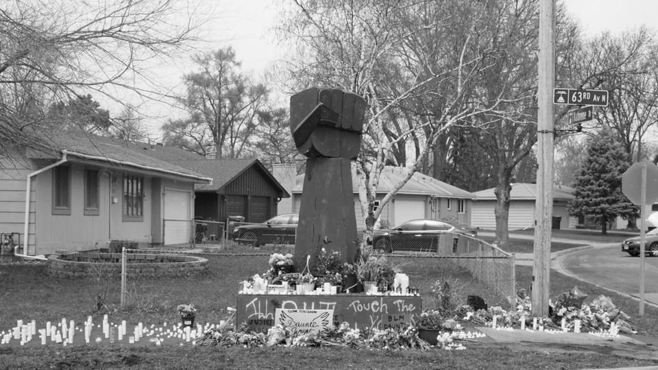 A memorial for Daunte Wright.