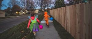 kids on halloween night