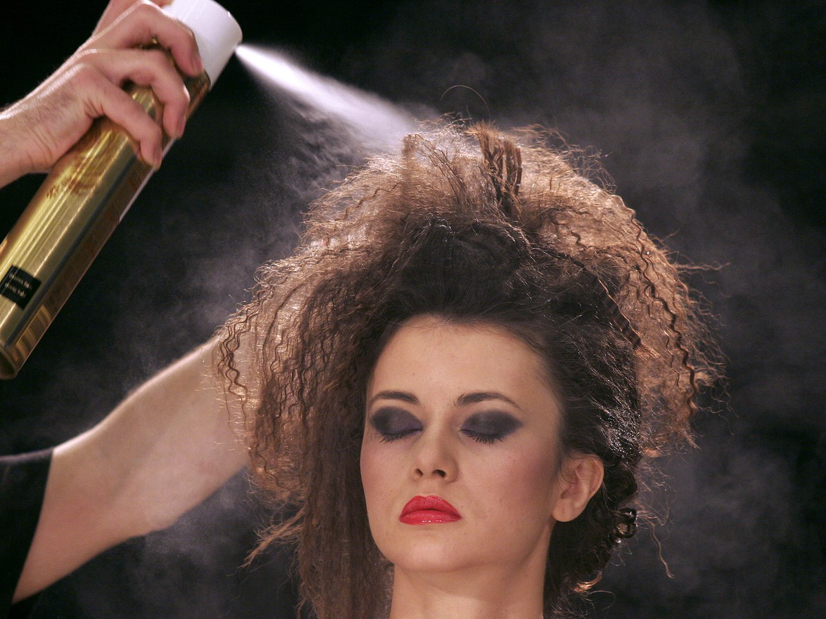 How Dry Shampoo Can Cause Hair Loss - The Atlantic